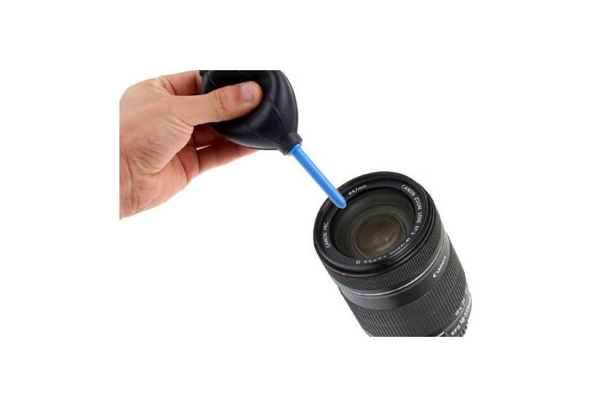 Cleaning Photographic Lens